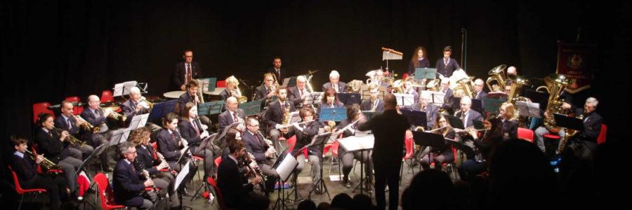 Domenica pomeriggio al teatro Garybaldi Gli auguri natalizi della Banda